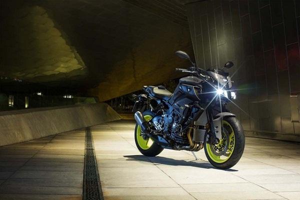 sieu-mo-to-yzfr1-ra-mat-phien-ban-naked-bike-yamaha-mt10-1