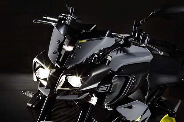 sieu-mo-to-yzfr1-ra-mat-phien-ban-naked-bike-yamaha-mt10-15