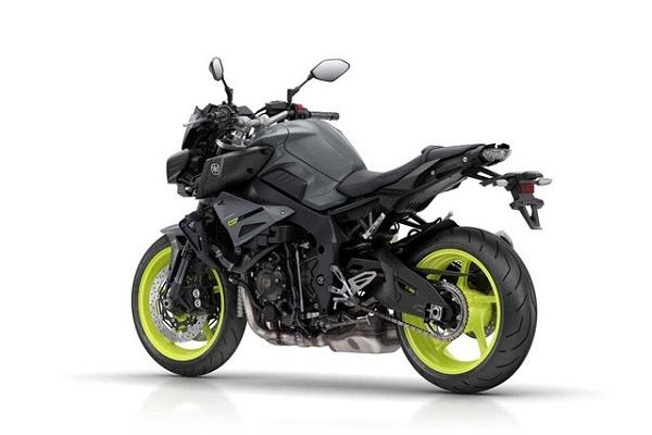 sieu-mo-to-yzfr1-ra-mat-phien-ban-naked-bike-yamaha-mt10-7