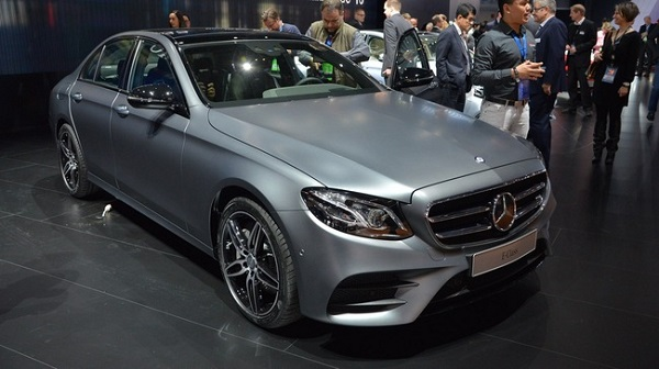 mercedes-benz-e-class-the-he-moi-ra-mat-voi-gia-khoi-diem-la-49436-usd-1