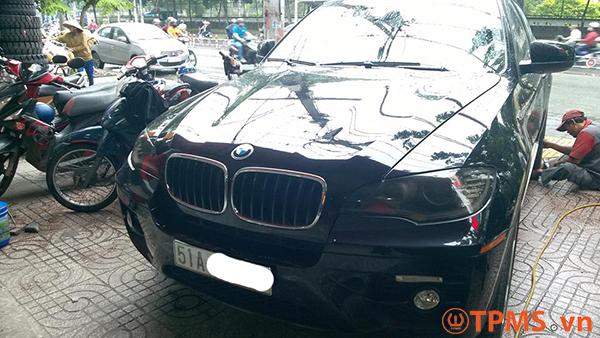 Lắp đặt cảm biến áp suất lốp xe BMW X6 2008