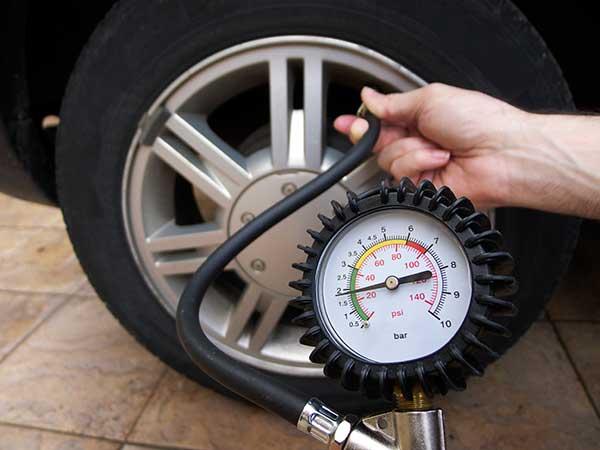 các loại cảm biến áp suất lốp ô tô